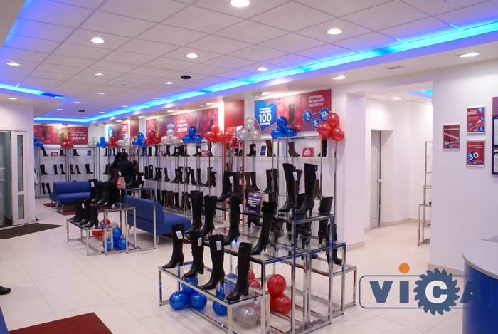 Для обувных магазинов прекрасно подходит торговое оборудование, которое не  утяжеляет интерьер и в тоже время 92d82eee324