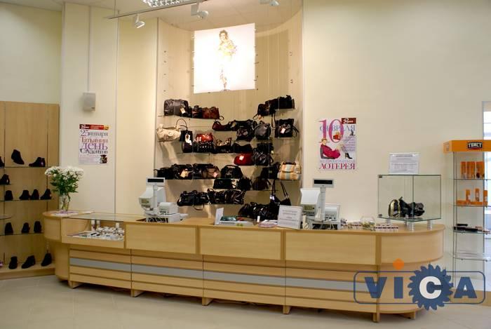 5c518ab4da185 09 Торгово кассовый прилавок обувного магазина