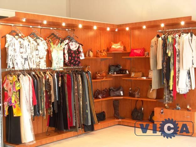 Как оформить магазин женской одежды. Товары для женщин 379586488a3
