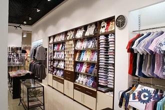 86398ef90e3 05 Оборудование магазина мужской одежды ТЦ